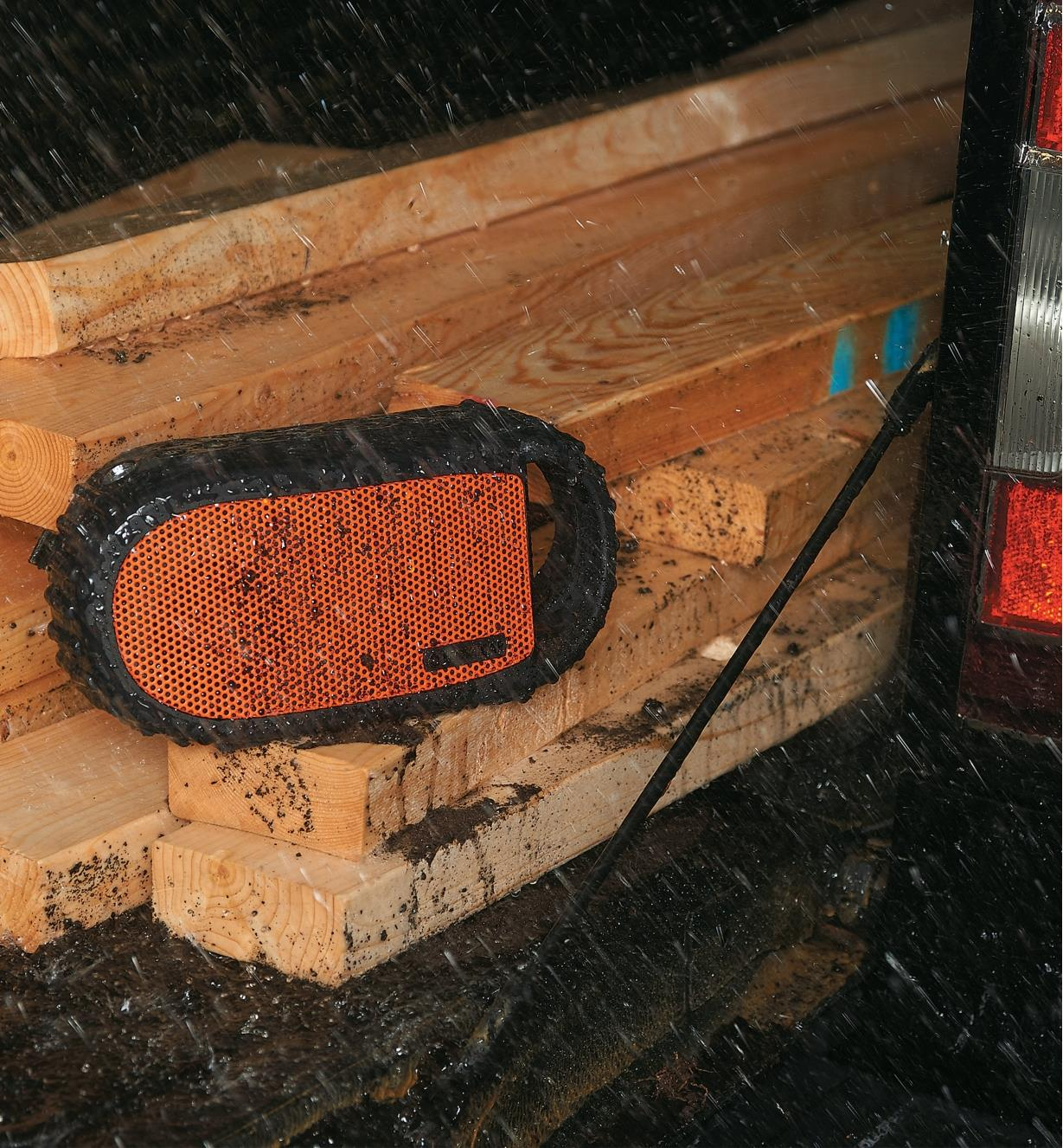 99W7679 - EcoCarbon Waterproof Bluetooth Speaker
