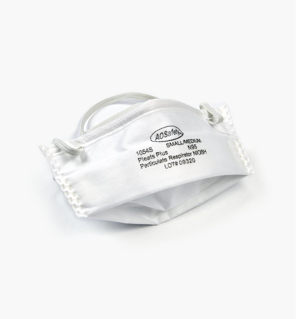 99W8961 - Small/Medium Pleated Dust Masks, pkg of 24