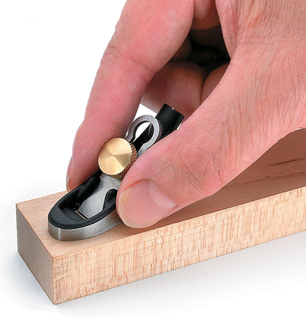 CM483 - Noisette plate à pommeau – article imparfait