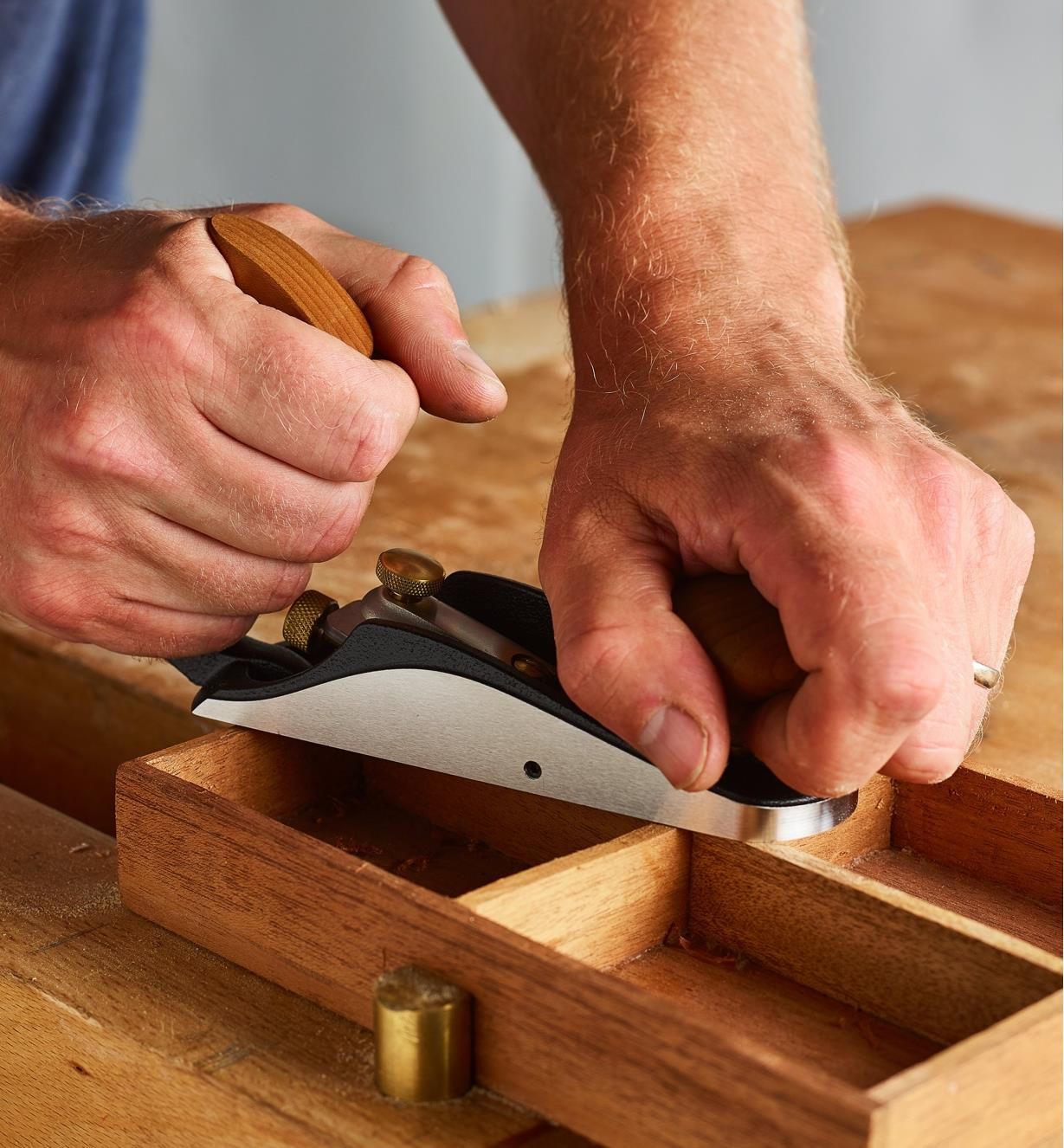 Smoothing the top of a drawer with the Bevel-Up #1 Plane