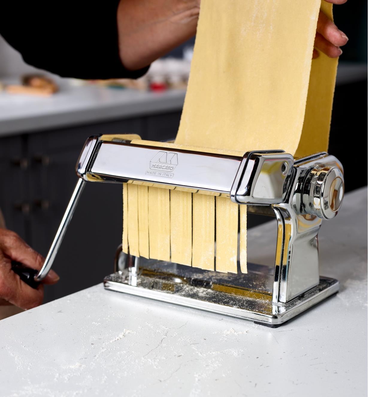 Making fresh lasagnette noodles using a Marcato pasta machine with the lasagnette cutter attachment