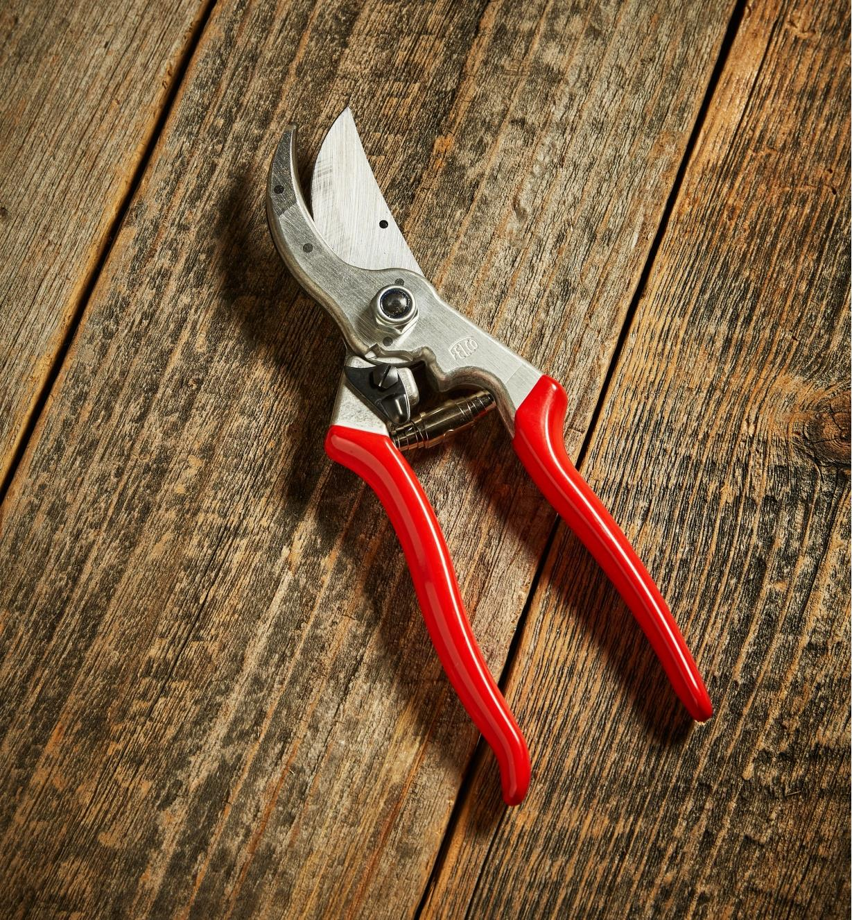 AB220 - Felco #4 Pruner, Right Hand