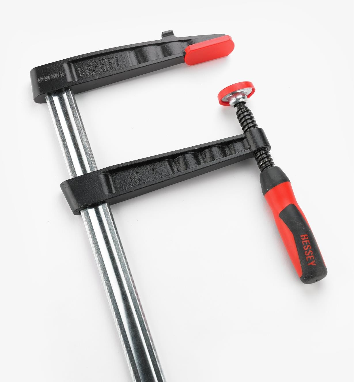 """Closer view of Bessey 7"""" medium-duty FA clamp jaws"""