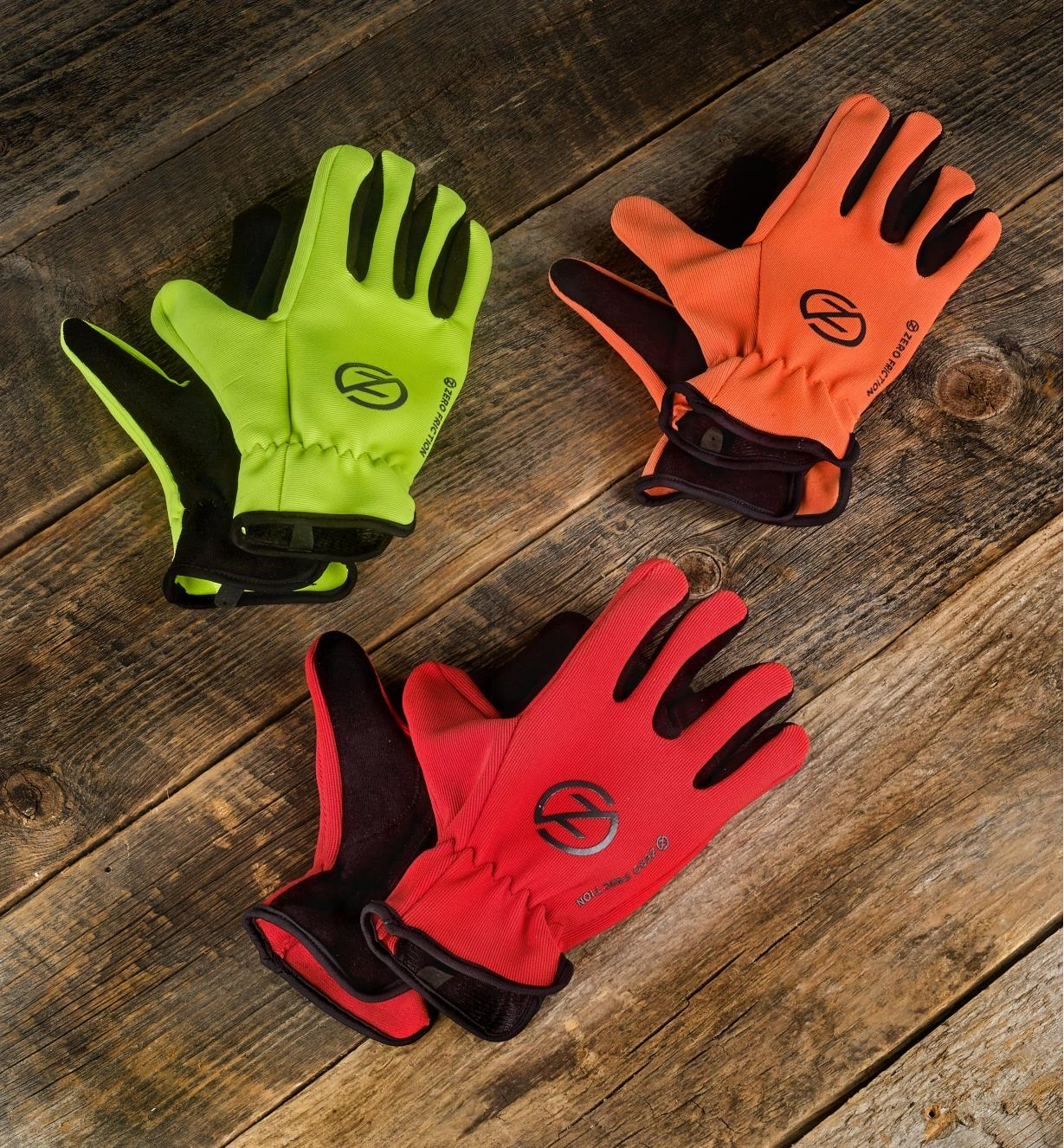 99W8470 - Universal-Fit Gloves, 3 pairs